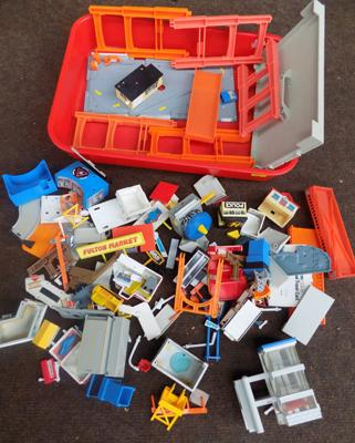 Selection of micro machines, scenery and buildings etc.