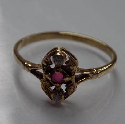Antique 9ct gold diamond & ruby ring, gold tested & diamond tested