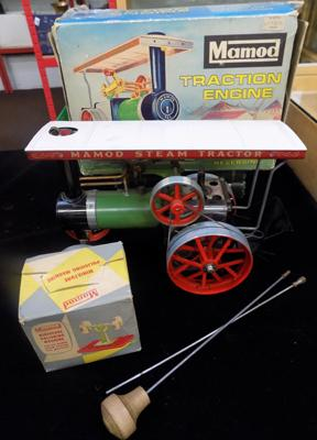 Vintage Mamod T.E.I.A reversing traction engine-boxed with accessories