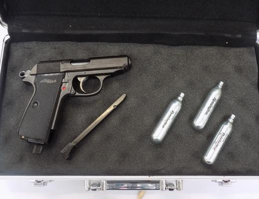 Walther PPK/S   .177  BB in carry case & incl. gas canisters
