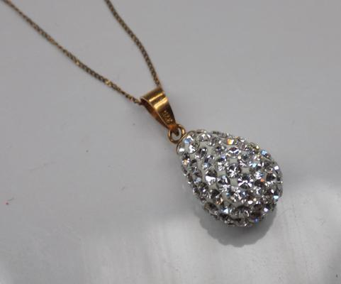 9ct Gold necklace with clear stone sparkling pendant