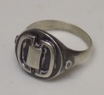 925 silver ring in modern style
