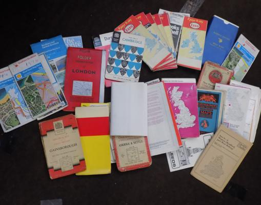 Selection of maps, incl. vintage Esso, Benzole, Shell etc...