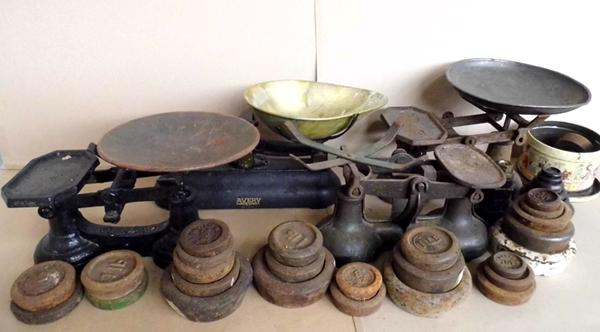 Four vintage sets of kitchen scales, weights & large quantity antique weights