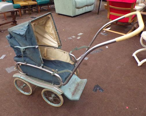 Vintage 1950's Silver Cross pushchair