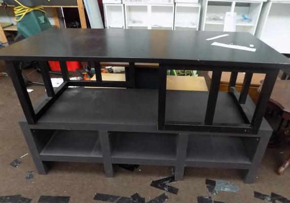 2 large coffee tables
