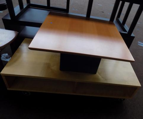 2 small coffee tables