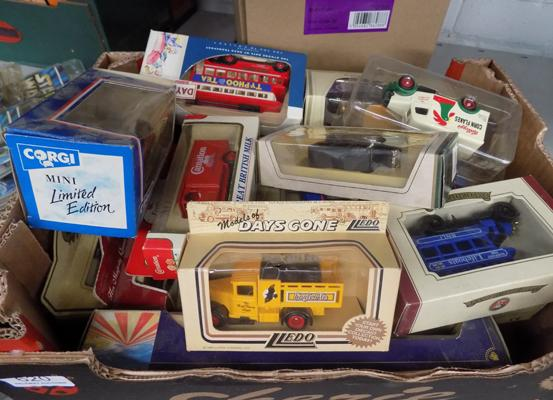 20 boxed collection cars incl. Lledo