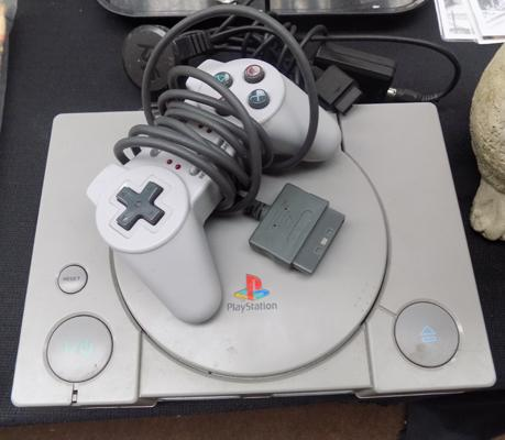 PS1 with leads + controller & Gran Turismo - W/O