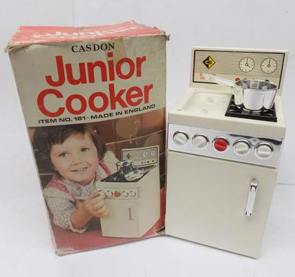 Vintage Casdon  Junior cooker complete with box & accessories