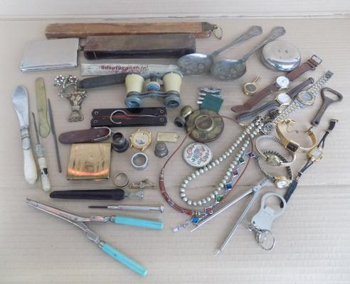 Mixed lot incl. opera glasses, berry spoons etc.