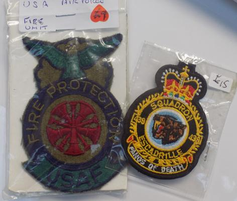 2x Vintage military sew-on patches