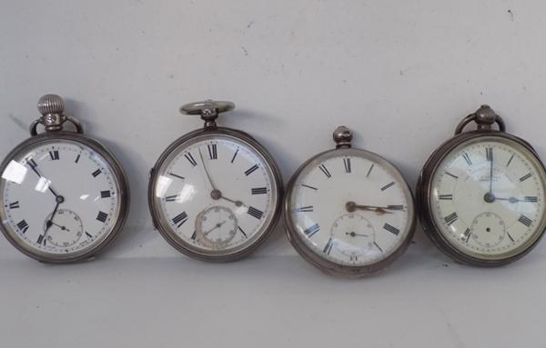 4 silver pocket watches, all at fault