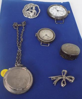 Selection of mixed silver and white metal items incl. brooch