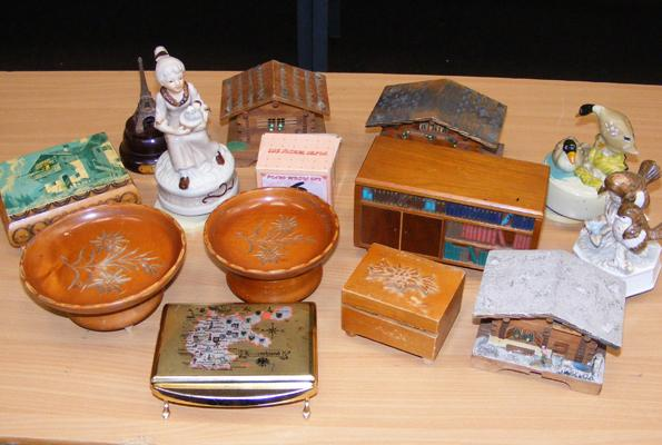Good selection of vintage musical boxes (x14)