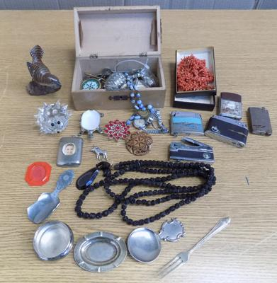 Box of vintage collectables, incl 1940's treen money box, vesta, lighters, jewellery, silver
