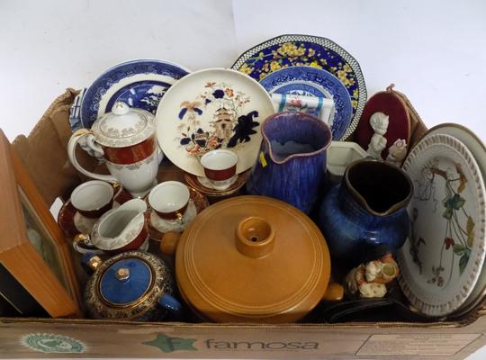 Selection of pottery and ceramics incl. Denby ware and Royal Doulton