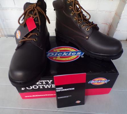 Dickies size 10 work boots, steel toe cap - new