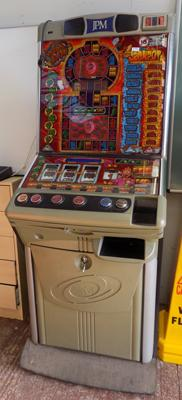 Vinda Loot fruit machine - W/O, with keys (not for new £1 coins)