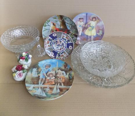 Box of collectables inc Aynsley, Royal Doulton & Imari etc