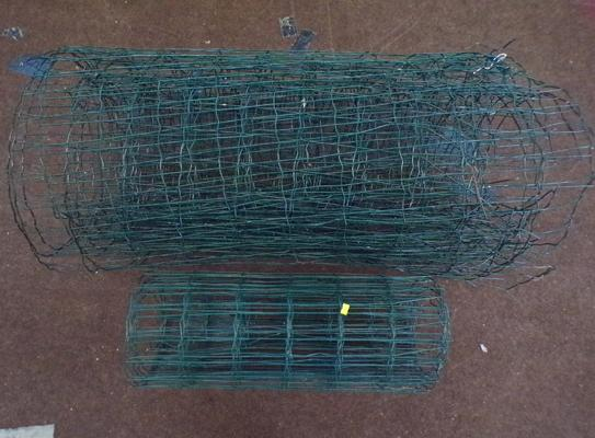 2x Lengths of green fencing wire-40 inches high & 30 inches high approx