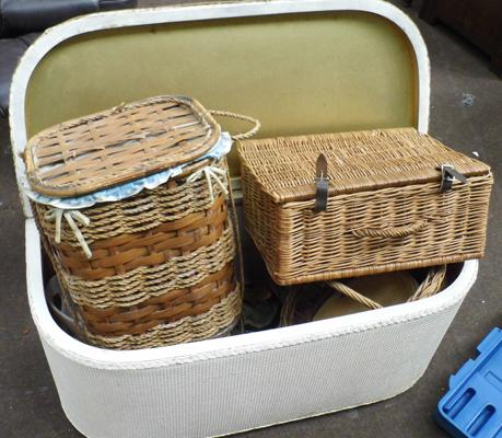 Linen basket and small baskets
