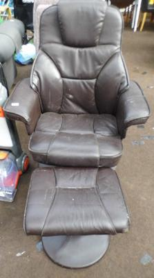Swivel chair and buffets (with wear)