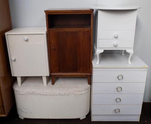 Selection of bedroom furniture incl. drawers etc.