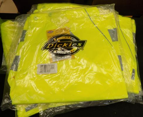 Five new pairs of Dickies, Hi-Vis shorts, size XL
