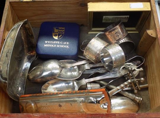 Mixed box of items incl. possible silver napkin rings & knife rests