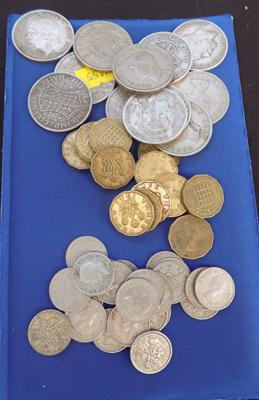 Selection of collectable coins, incl. sixpence, threepence & half crown