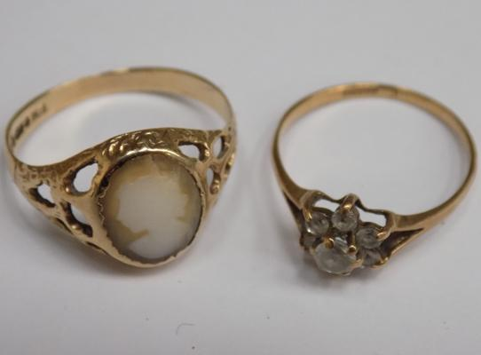 2 x 9ct gold rings