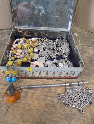 Selection of costume jewellery incl. 925 silver