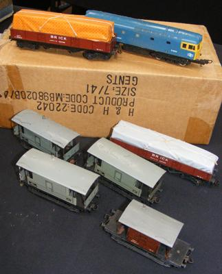 Assortment of engines + tin plate rolling stock