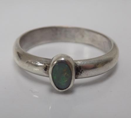 Silver & opal ring, approx. size U