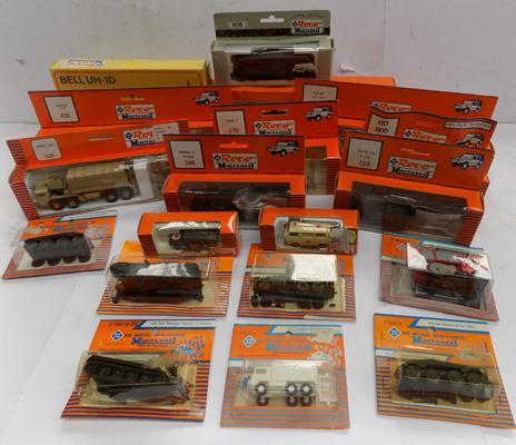 19 Roco mini tanks military incl. 1 helicopter - all boxed