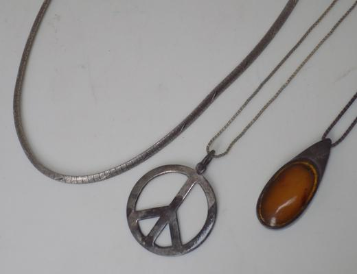 3 x silver necklaces, incl. gemstone