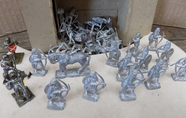 Army of miniature lead soldiers, horses etc.
