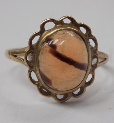 Vintage 9ct gold ring with unusual gemstone