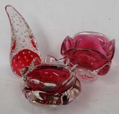 Three pieces of Murano style glass