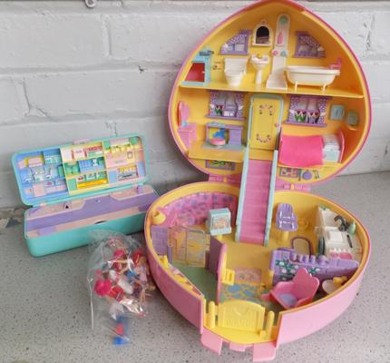 2 x 1989 Bluebird Polly Pocket with car/1992 Lucy Locket Dream House