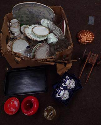 Box of mixed ceramics & collectables inc Ebony, coloured glass etc