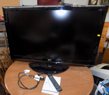 LG TV, full HD with remote