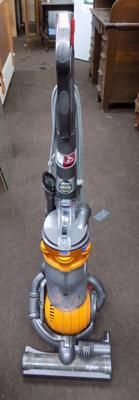 Dyson 25 vacuum cleaner w/o