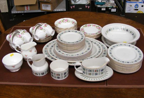 Large selection of Royal Doulton Tapestry & part set of Colclough