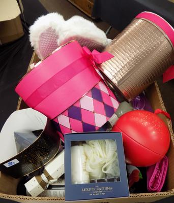 Box of new items, incl. gift sets etc... - as seen