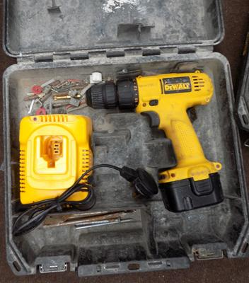 Dewalt 14.4 cordless drill, one battery & charger in box