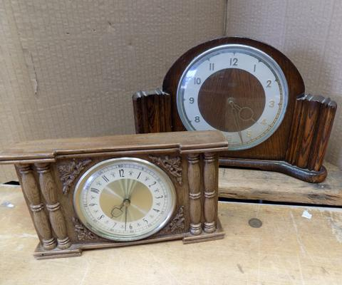 Smith's mantle clock & one other