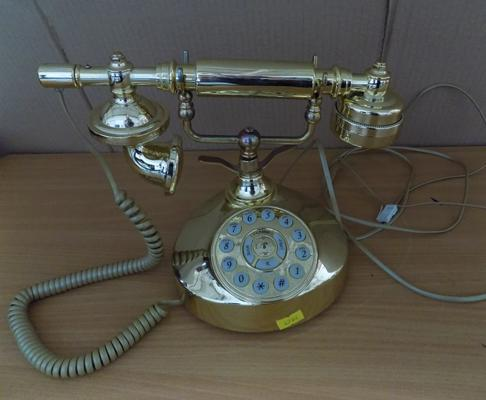 Reproduction vintage phone