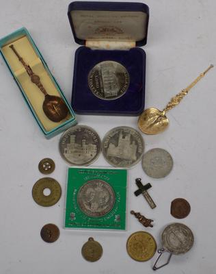 Selection of collectables, incl. coins